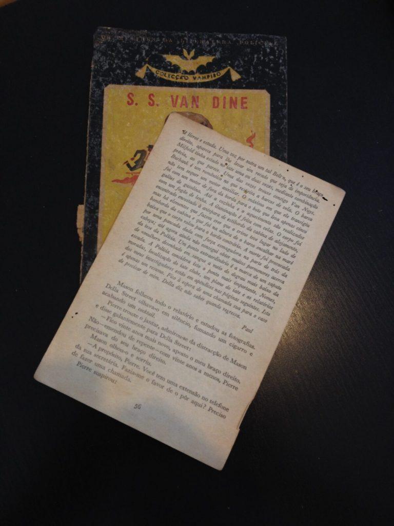 Folhas de livro antigo
